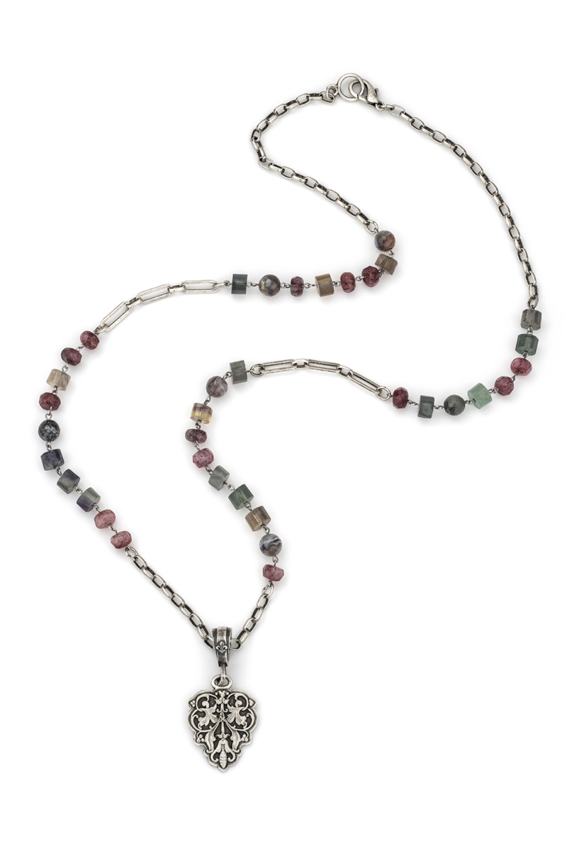 MELANGE MIX WITH SILVER WIRE, CHAINS AND FILIGRANE PENDANT