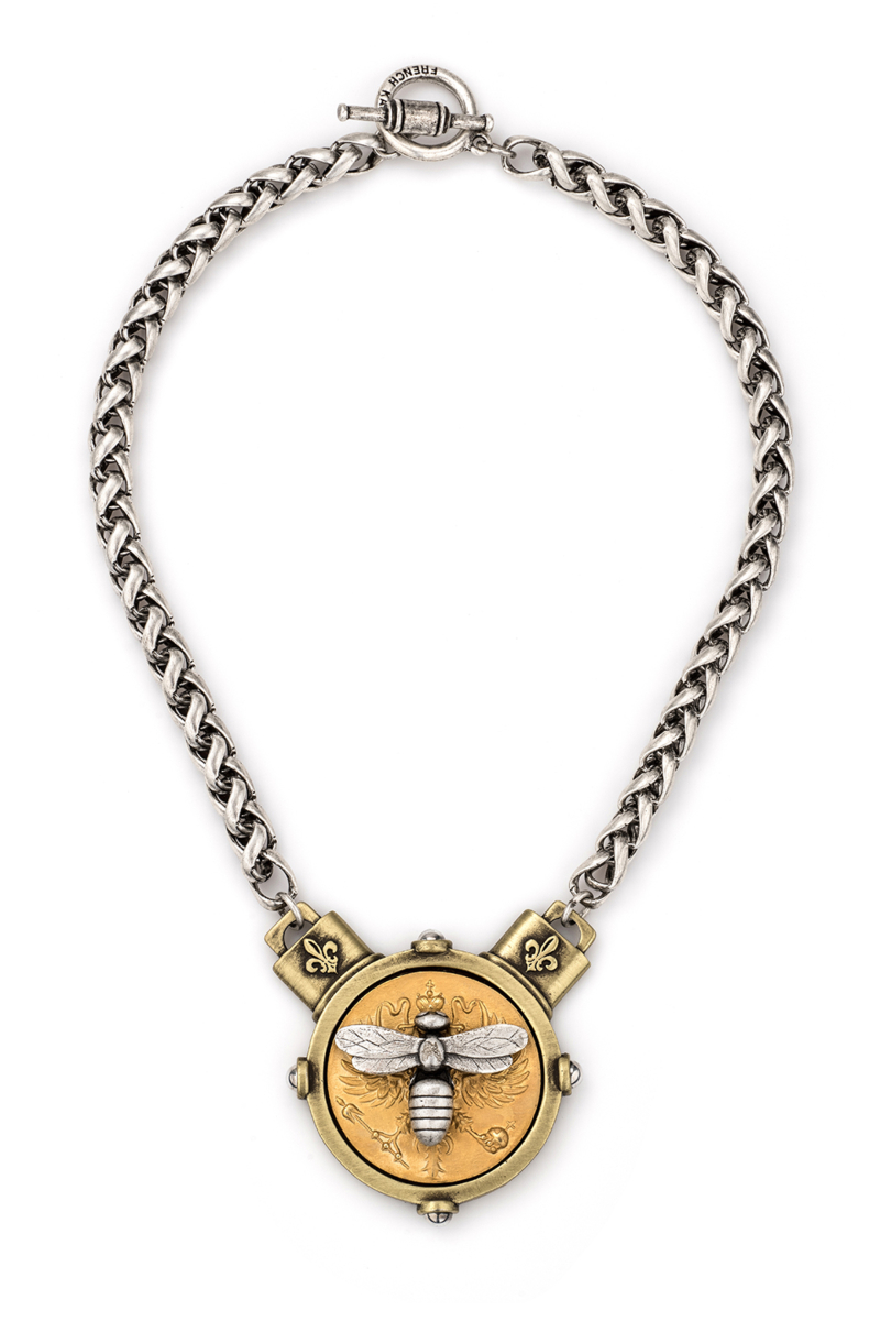 CHEVAL CHAIN WITH CANARD MIEL STACK MEDALLION