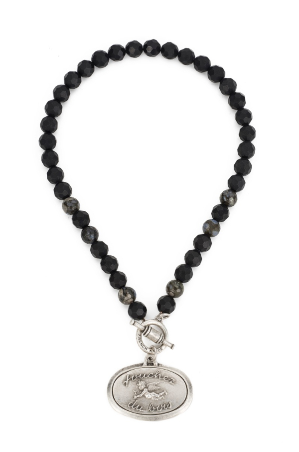 FACETED BLACK ONYX WITH TOUCHEZ MEDALLION