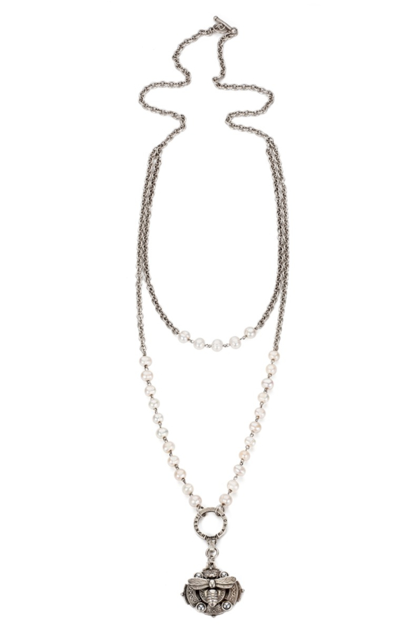 PEARLS WITH SILVER WIRE AND CHAIN, MIEL AND BELGIUM BACKPLATE