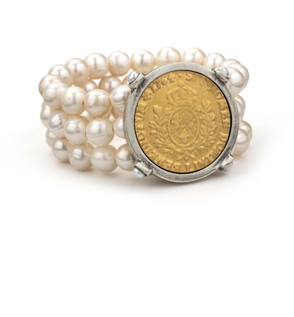 TRIPLE STRANDED WHITE PEARL WITH DOMINI MEDALLION