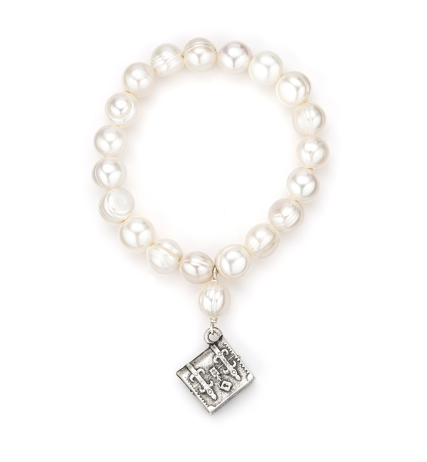 SINGLE STRAND WHITE PEARL WITH TRONC PENDANT