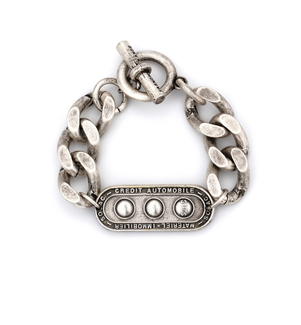 SILVER BEVEL CHAIN WITH LILLE MEDALLION