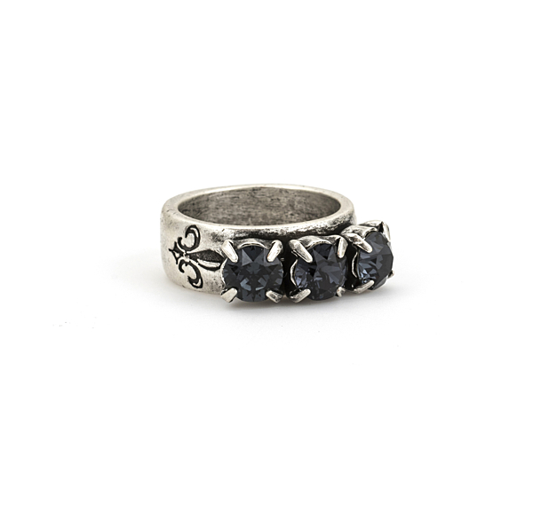 GRAPHITE TRIPLE SWAROVSKI RING