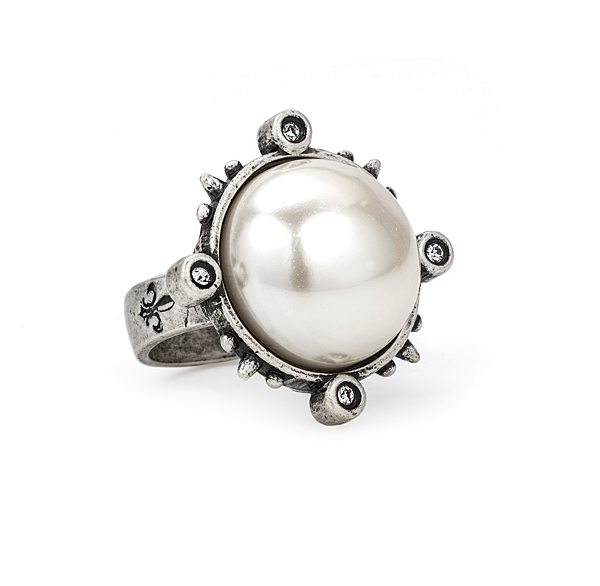 SPIKED RING WITH PEARL CABOCHON