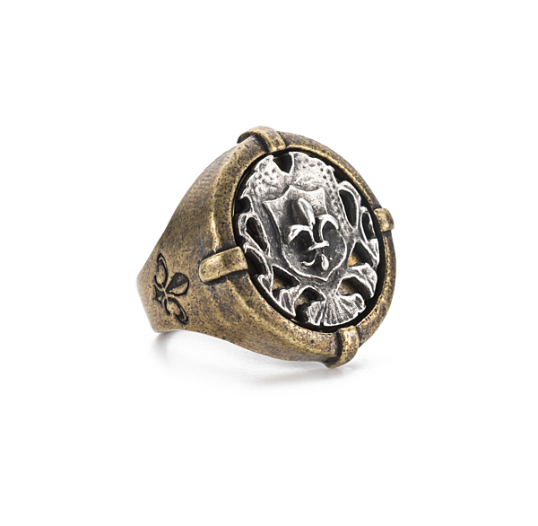 SIGNET RING WITH SILVER FLEUR MINI MEDALLION