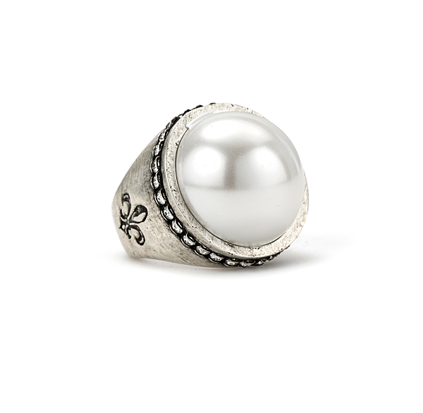 SWAROVSKI SIGNET RING WITH PEARL CABOCHON
