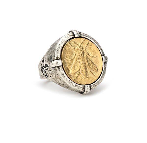 SIGNET RING WITH 14K GOLD MINI ABEILLE MEDALLION