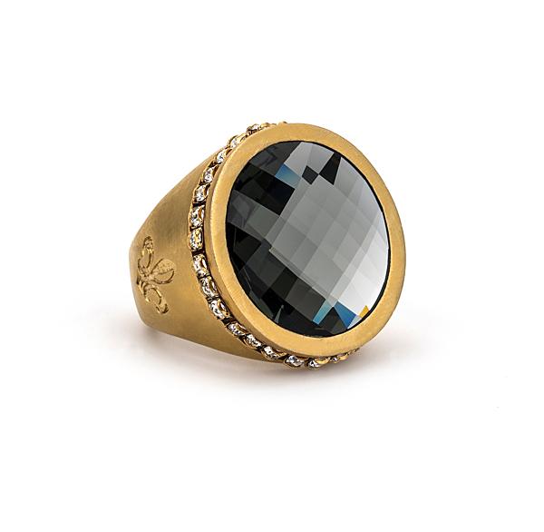 GOLD SWAROVSKI SIGNET RING WITH BLACK DIAMOND SWAROVSKI