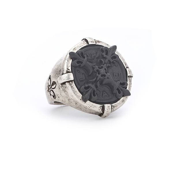 SIGNET RING WITH GRAPHITE X MEDALLION