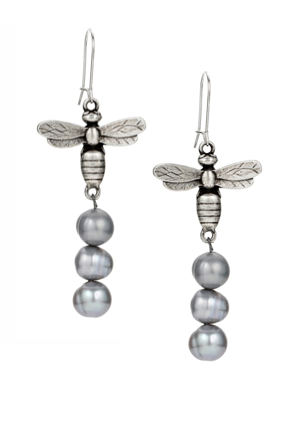 MIEL PENDANT AND SILVER PEARL EARRINGS