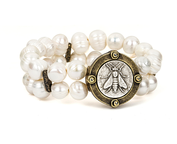 DOUBLE STRAND WHITE PEARL WITH MINI ABEILLE MEDALLION