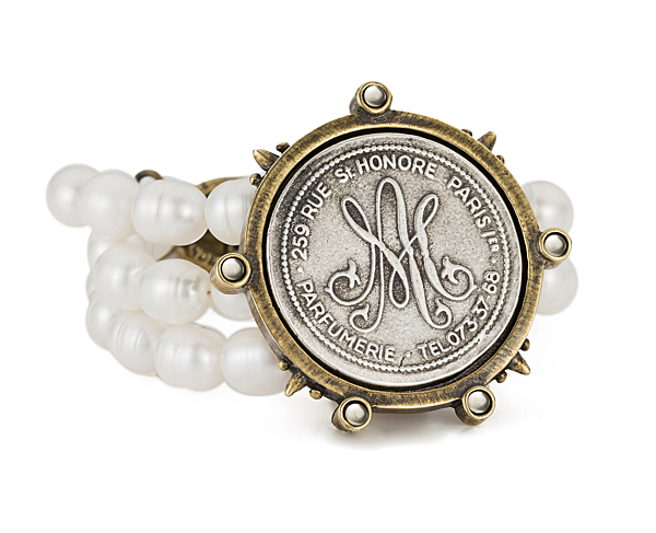 TRIPLE STRAND WHITE PEARL WITH REVERSE MARIE MEDALLION