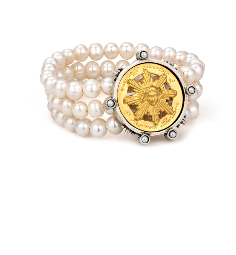 TRIPLE STRANDED WHITE PEARL WITH 14K GOLD SUN KING MEDALLION