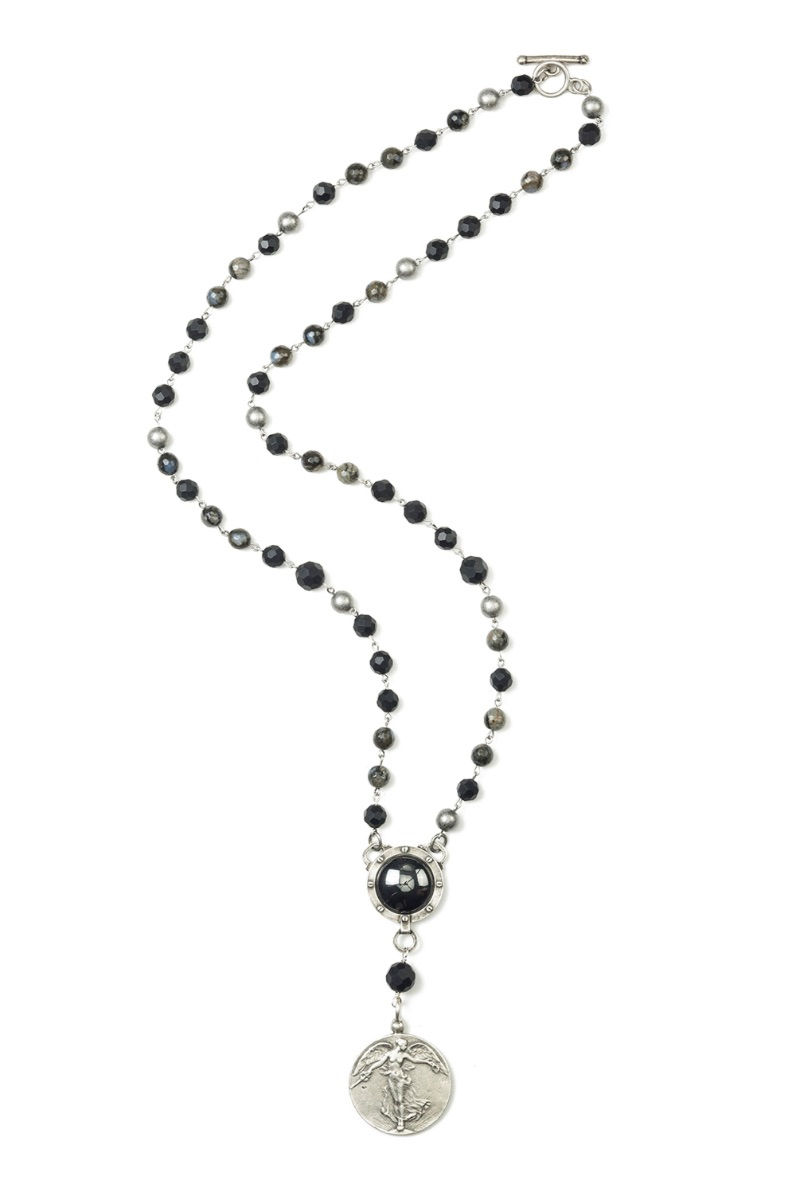 SHADOW OPAL MIX WITH HEMATITE AND L'ANGE MEDALLION