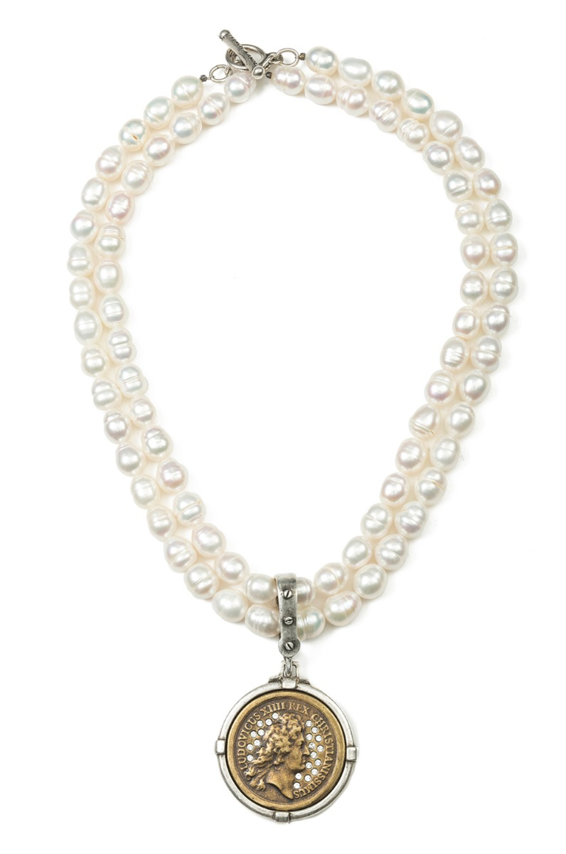 DOUBLE STRAND PEARLS WITH SWAROVSKI REX MEDALLION
