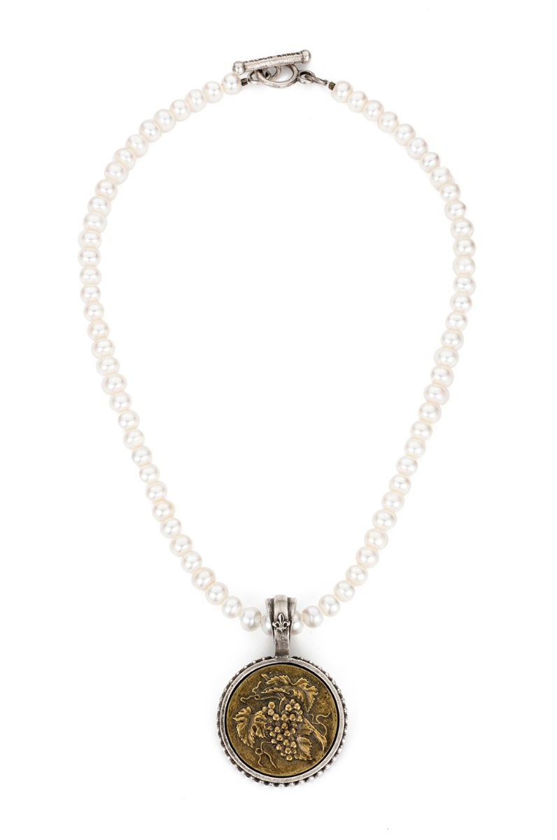 PEARLS WITH A. ZELLER MEDALLION
