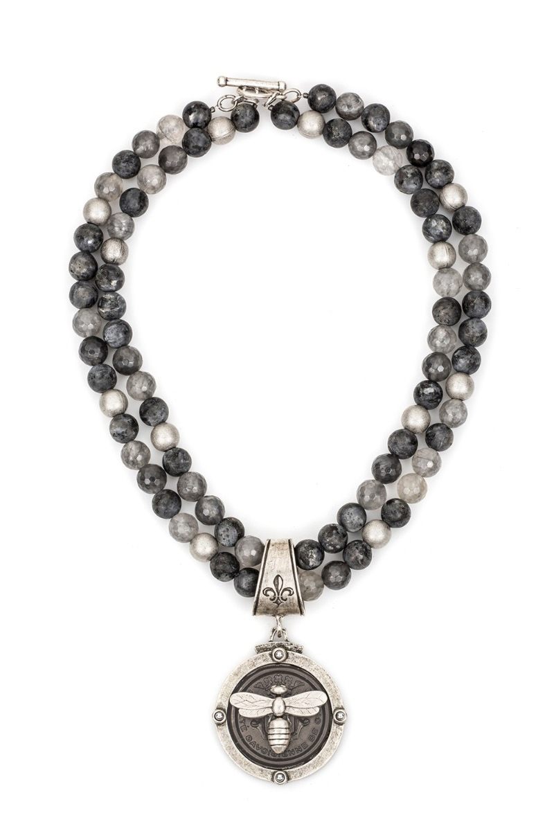 DOUBLE STRAND SLATE MIX WITH CENTENNIAL MIEL STACK MEDALLION