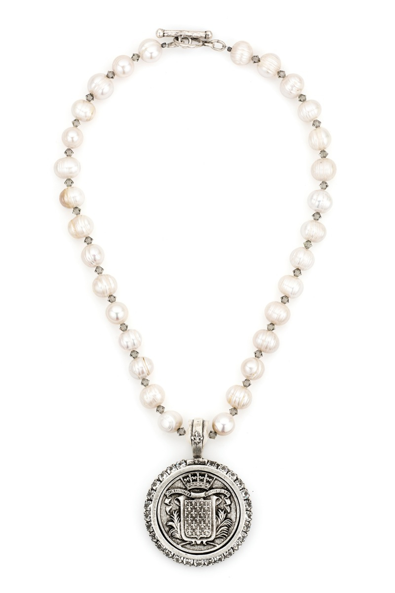 PEARLS AND SWAROVSKI WITH MONT JOYE MEDALLION