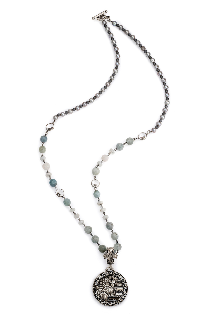 LA MER MIX WITH SWAROVSKI ACCENTS, SILVER PEARLS AND INAUGURATION MEDALLION