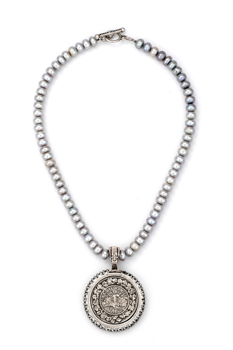 SILVER PEARLS WITH FAMILLE MEDALLION AND SWAROVSKI