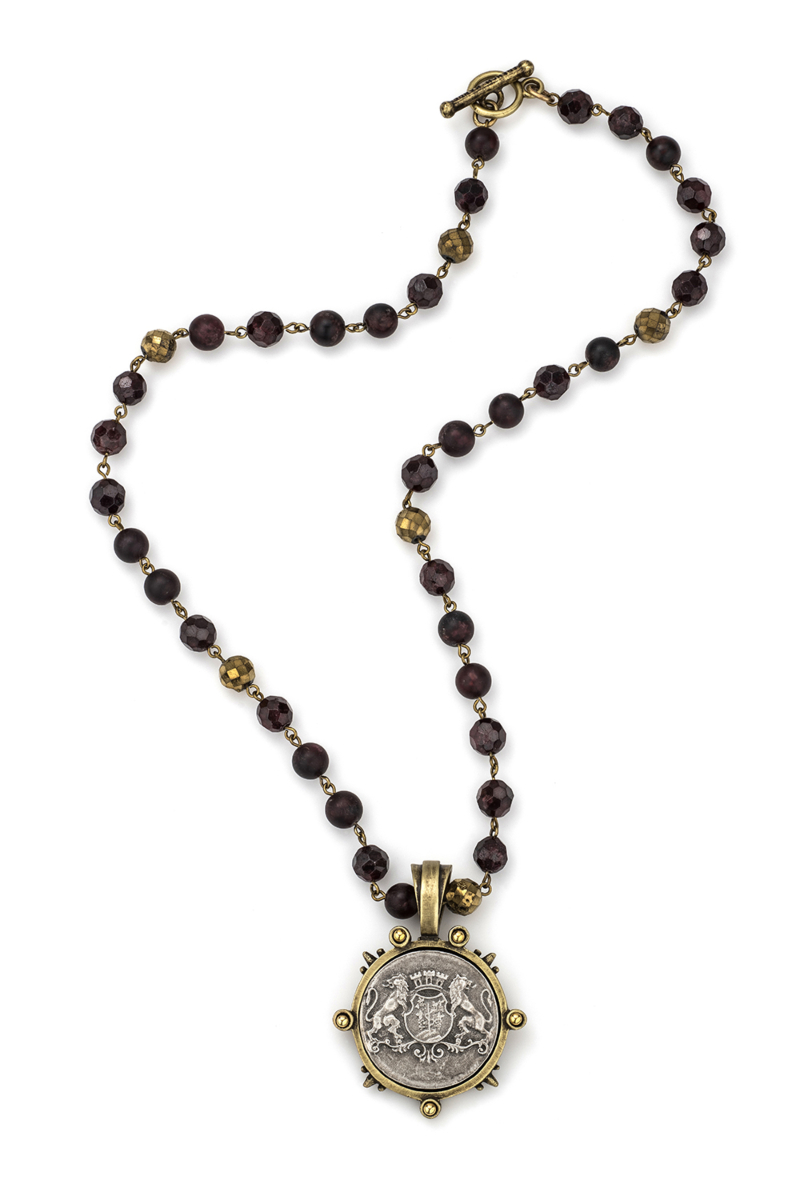 D'OR GARNET MIX WITH SILVER WIRE AND AIME MEDALLION