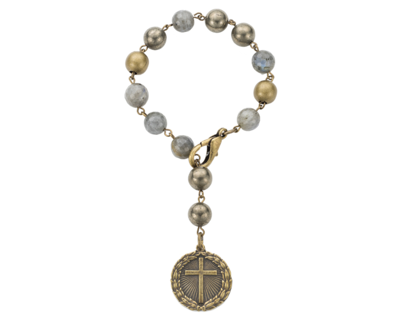 COASTAL MIX WITH BRASS WIRE AND LAUREL CROSS