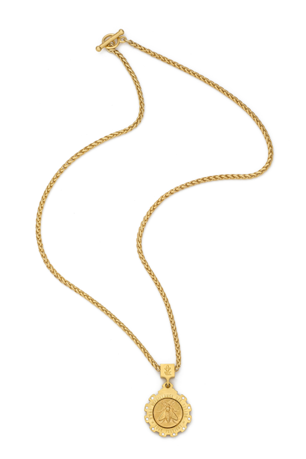 GOLD PETITE CHEVAL CHAIN AND MINI ABEILLE MEDALLION