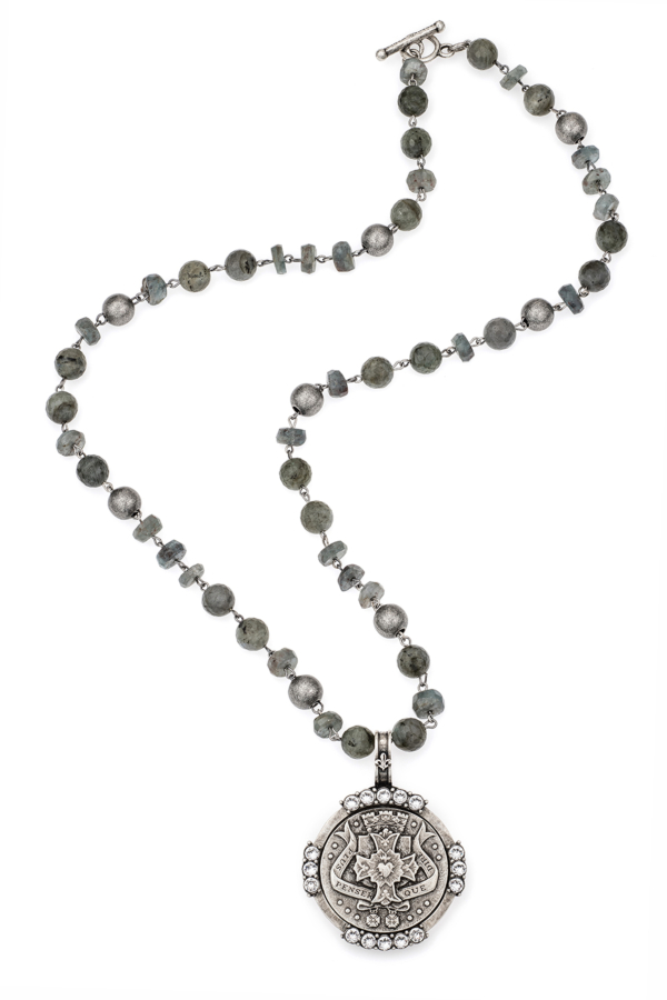 MOONLIGHT MIX WITH SILVER WIRE, PENSER MEDALLION AND SWAROVSKI
