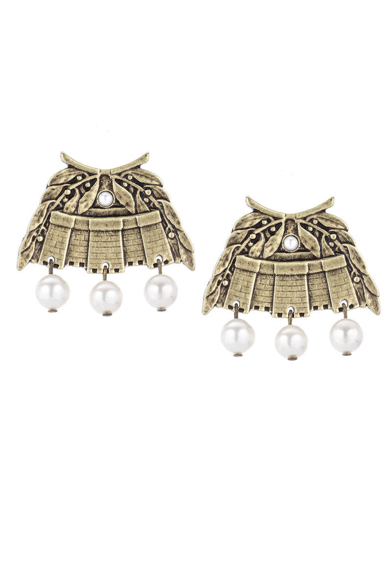 BRASS CHATEAU EARRINGS WITH WHITE PEARL DANGLES
