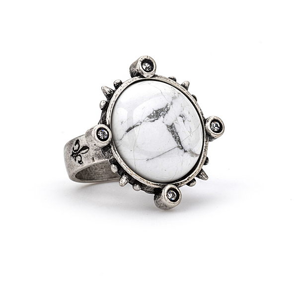SILVER SPIKED RING WITH HOWLITE CABOCHON