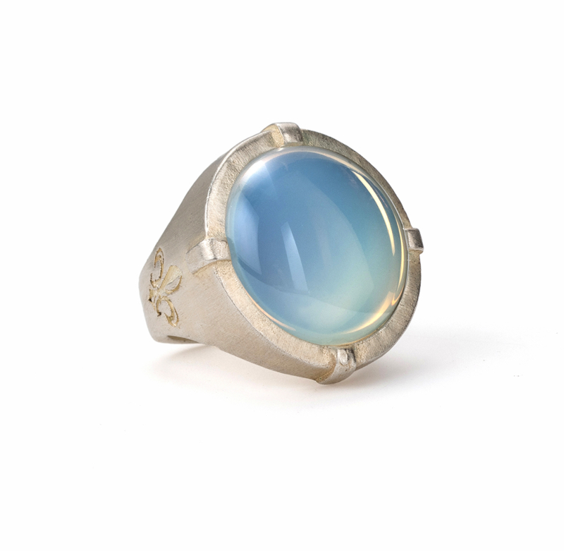 MATTE SILVER SIGNET RING WITH WHITE MIST CABOCHON