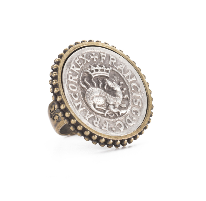 POINTE BEZEL RING WITH DRAGO MEDALLION