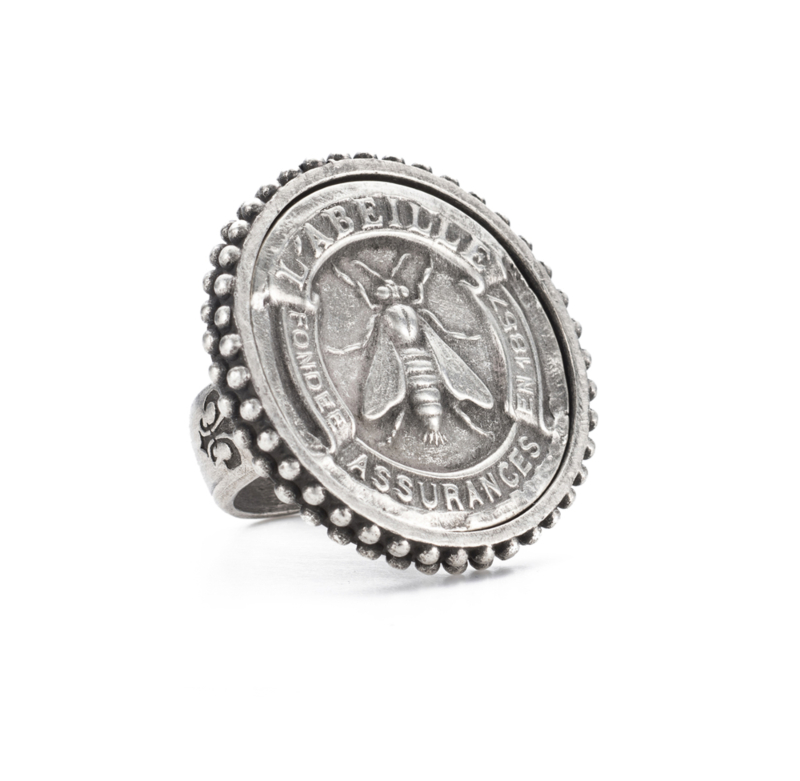 POINTE BEZEL RING WITH SILVER ABEILLE MEDALLION