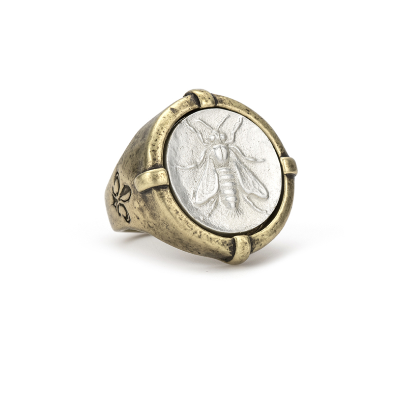 MATTE SILVER SIGNET RING WITH MINI ABEILLE MEDALLION