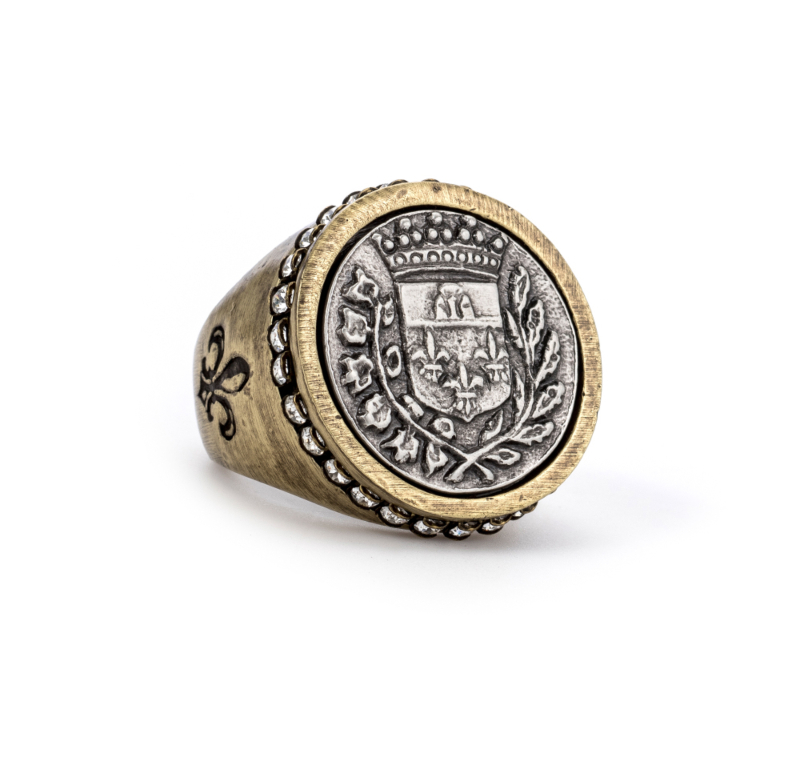 SWAROVSKI SIGNET RING WITH GUSTAVE MEDALLION